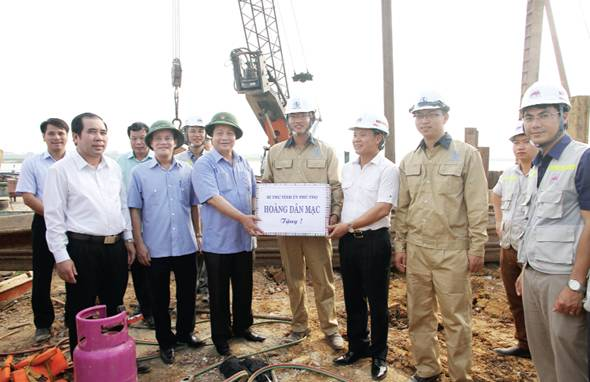 dự án thi công cầu Việt Trì 2