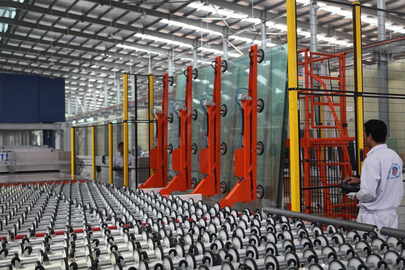kính tiết kiệm năng lượng sản xuất 2