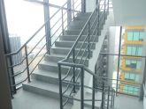 Bất cập đối với thang bộ thoát nạn trong các nhà cao tầng