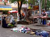 """Định Công (Hoàng Mai, Hà Nội): Chợ cóc """"tưng bừng"""" lấn chiếm vỉa hè, lòng đường"""