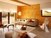 Phòng khách ấm áp hơn với tường ốp gỗ