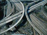 Sự khác biệt giữa đường cao tốc Freeway và Highway