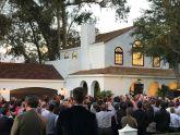 Tesla ra mắt ngói nhà bằng pin năng lượng mặt trời