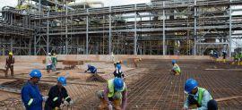Malaysia tăng tiền công cho công nhân xây dựng nước ngoài