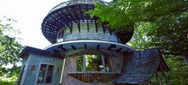 Tower House – Ngôi nhà ảo giác được xây dựng từ các vật liệu tái sử dụng