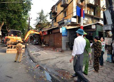 Lập lại trật tự đô thị ở Hà Nội: Đã thoáng nhưng... chưa sáng